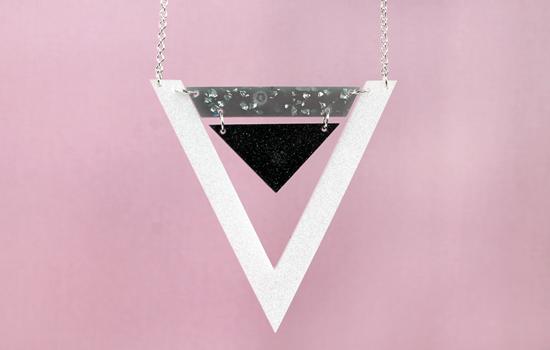 double_triangle_necklace_goldroyalblue_002