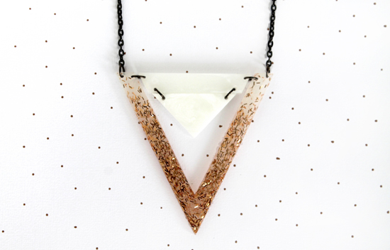 double_triangle_necklace_whitesgoldslivers_001