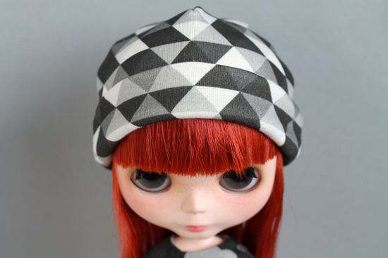 Blythe_hat_ghosttriangles_grays_002