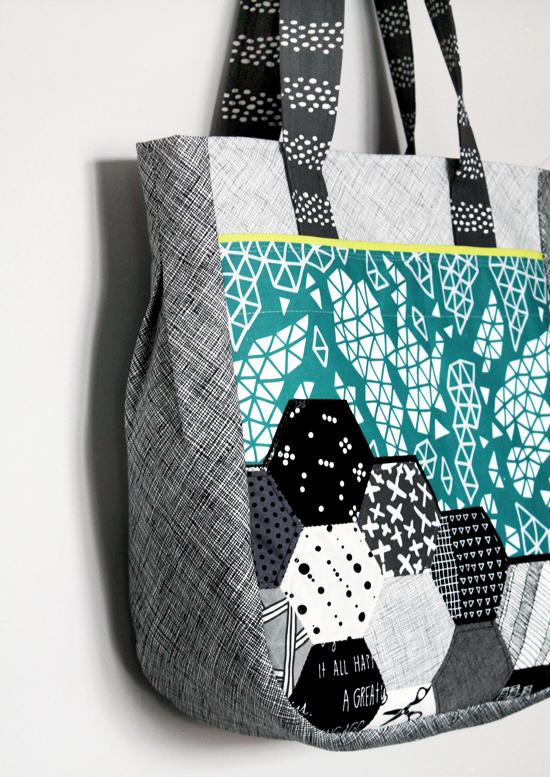 My First Noodlehead Super Tote {an Art School Dropout's life} / Handmade Tote Bag #spooonflower #artschooldropout #jesseesuem