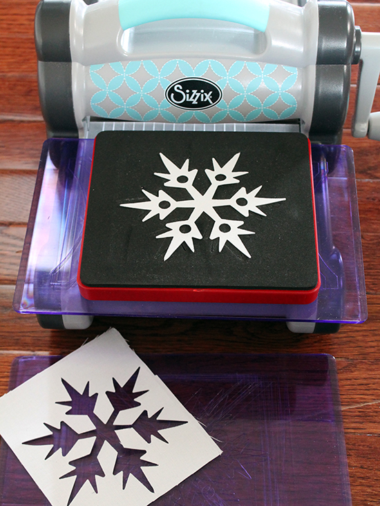 Christmas in July with Sizzix by Jessee Maloney {an Art School Dropout's life}
