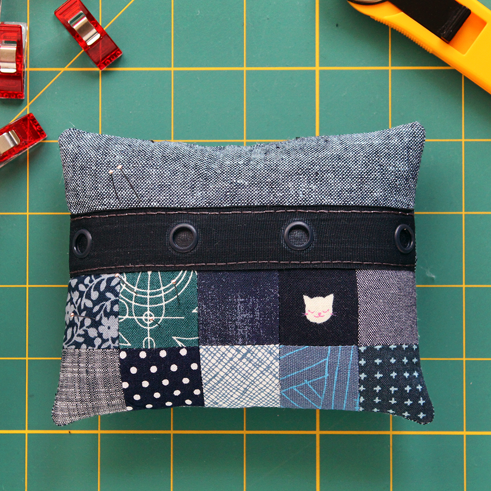 Pin Cushion Sew Along with the Fat Quarter Shop + Video Instructions! {an Art School Dropout's life}