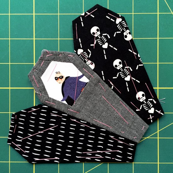 Ring of Coffins Pattern: Tips and Tricks Part One {an Art School Dropout's life} EPP English Paper Piecing Foundation Paper Piecing Halloween Quilt