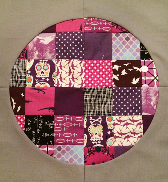 Pixelated Circles Quilt - sample by @bjaney